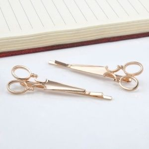 Accessories - GOLDTONE  Scissor Hairclips(Set of 2)